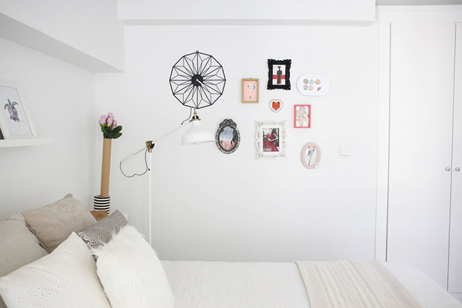 Un loft en Valencia de estilo nórdico y colores vibrantes