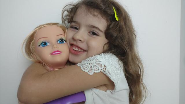 BONECA SPARKLE GIRLZ MAQUIADORA