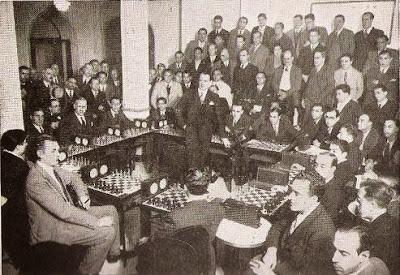 Primera exhibición del Dr. Alekhine en Madrid en 1935