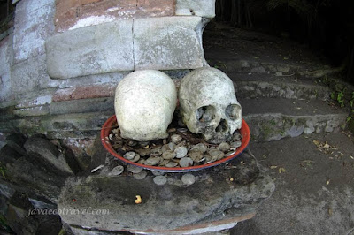 Trunyan Graveyard