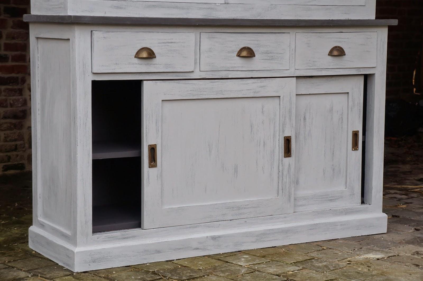 urlu et berlu vente meuble vaisselier patin gris deux corps avec vitrine et moulures en croix. Black Bedroom Furniture Sets. Home Design Ideas