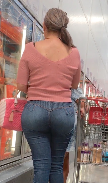 Big White Booty Mature