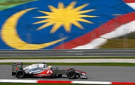 r sum vid os gp malaisie f1 2012 fernando alonso remporte grand prix malaisie 2012 en. Black Bedroom Furniture Sets. Home Design Ideas