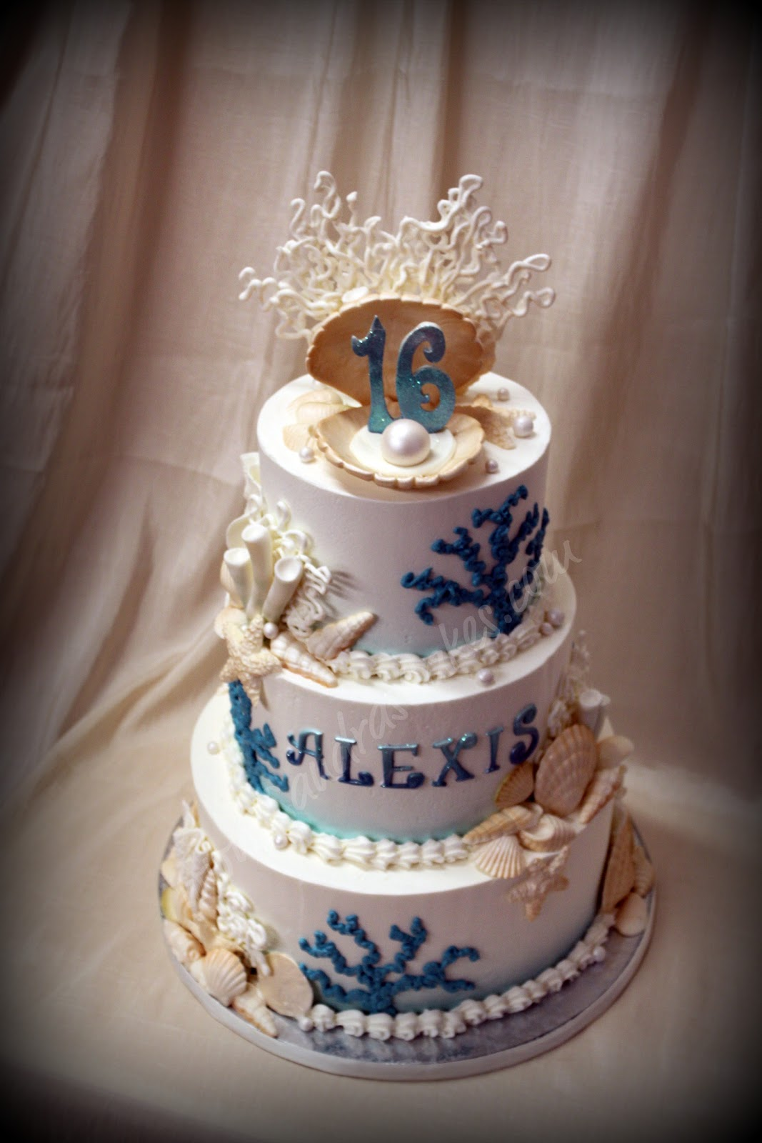 Sweet Sixteen And Quince Cakes