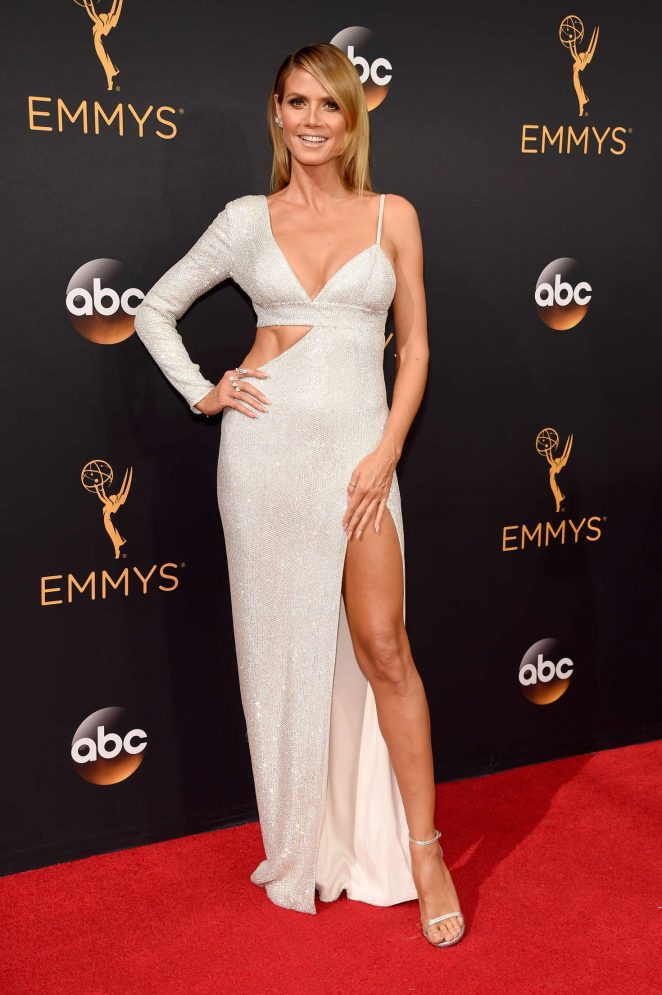 Heidi Klum wears Michael Kors to the 2016 Emmy Awards