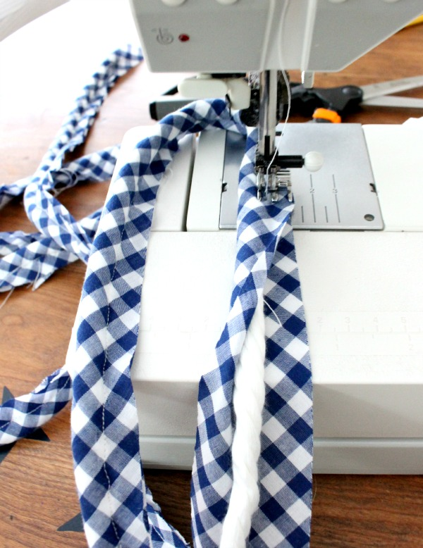 making gingham piping
