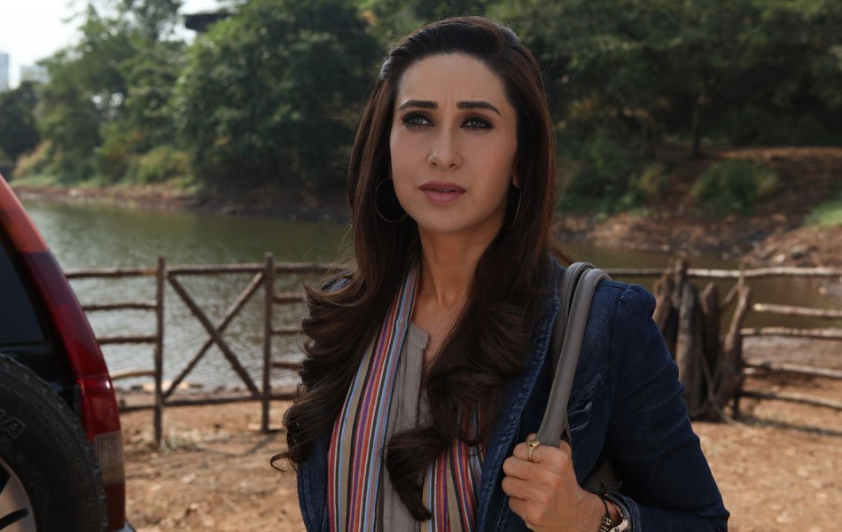 Actress Karishma Kapoor Latest Wallpapers From Movie ...