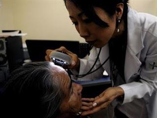 Doenças de pele podem ser causadas por problemas psicológicos; dermatologista explica