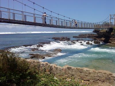 Perbatasan Pantai Santolo & Sayang Heulang