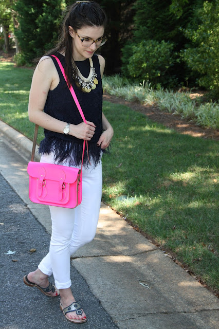2017, summer, white jeans, statement piece, feathers, pink,