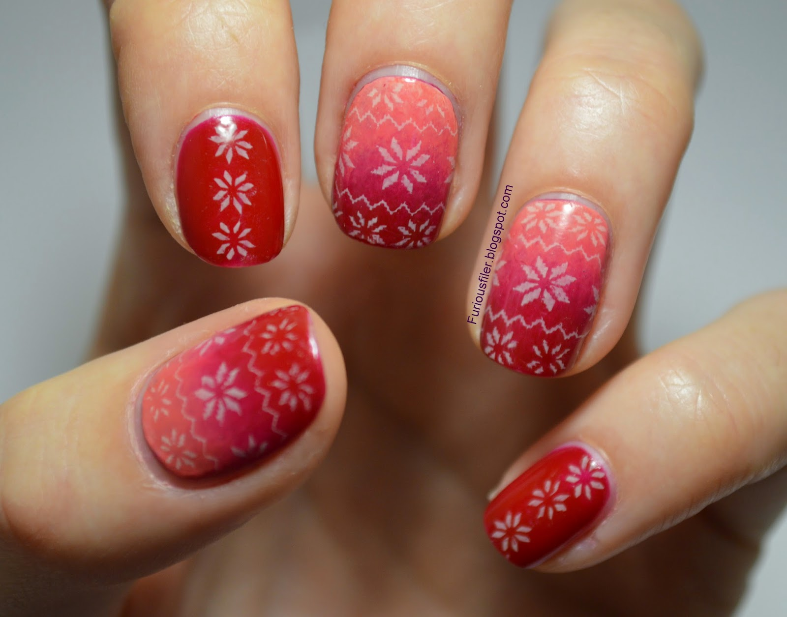 red ombre christmas jumper nail art