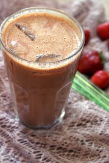 truskawkowa kawa na zimno