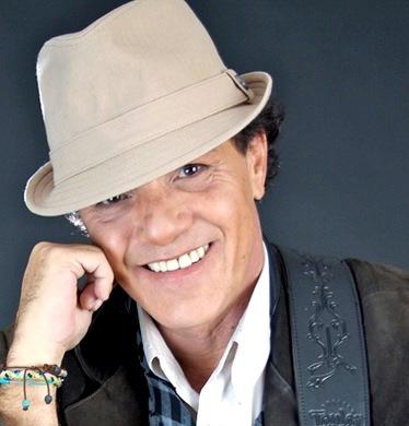 Foto de Sergio Fachelli con sombrero
