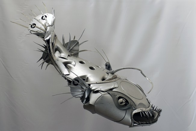 07-Anglerfish-Ptolemy-Elrington-Hubcap-Creatures-and-other-Car-Parts-Animal-Sculptures-www-designstack-co