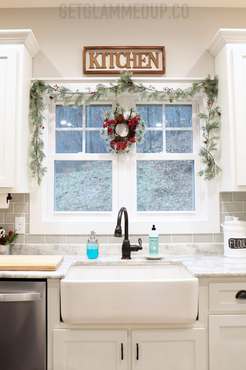 Farmhouse Sink Christmas Garland Wreath