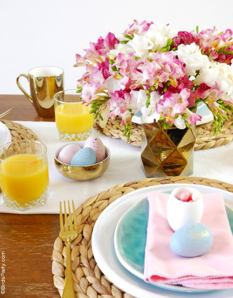 My Pink, Blue & Gold Easter Brunch Tablescape - gorgeous ideas to inspire your Spring celebrations and help you set the table with style and ease! by BirdsParty;com @birdsparty #easter #eastertable #eastertablescape #springparty #springtablescape