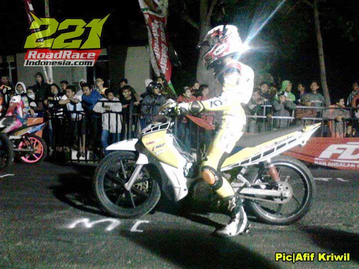 Hasil Night Race Batu 2015, 332 Pembalap Begadang Menggigil Kedinginan Sampai Pagi