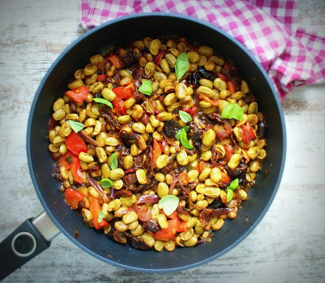 woll szafir,e gustus,dania z bobu, bób,suszone pomidory,dieta,fit,fitness,zdrowe gotowanie,suszone śliwki,jemy zdrowo,dania jednogarnkowe