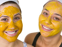 Brighten your face with the turmeric face mask