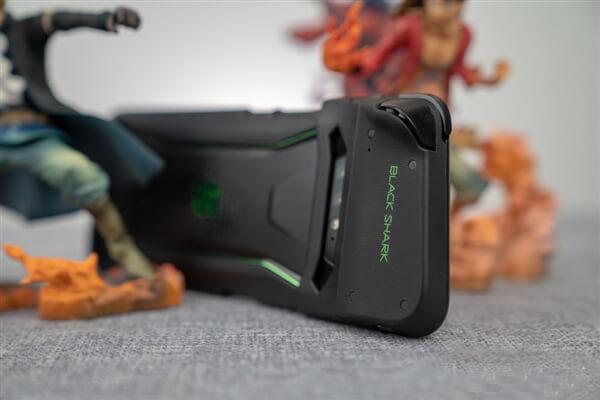 كل ما تود معرفته عن مواصفات و سعر هاتف Xiaomi Black Shark الجديد