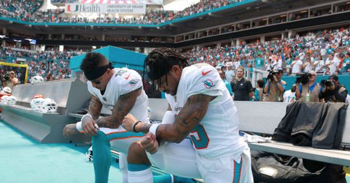 Dolphins' Kenny Stills, Albert Wilson first NFL players in Week 1 to kneel during anthem