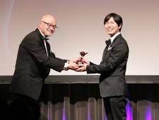 """Penghargaan Seiyuu ke-13: Hiroshi Kamiya """"Aktor suara paling aktif yang dipilih para penggemar"""""""