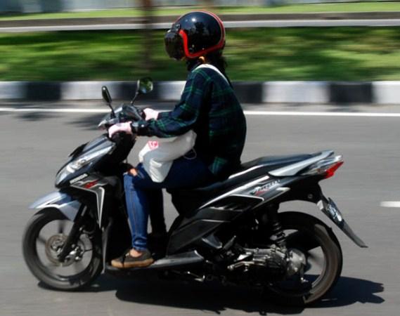 Kiat Aman Berkendara Bagi Wanita