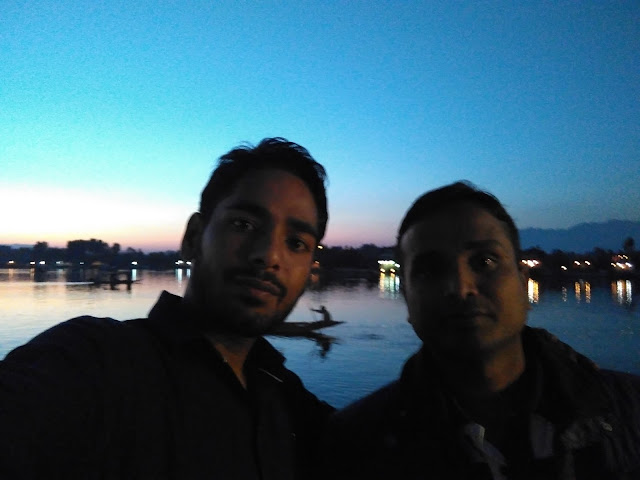 walk in dal lake