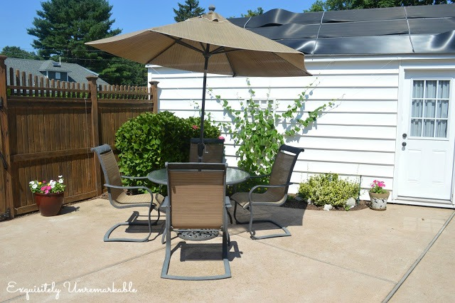 Outdoor Patio Set In Cottage Garden