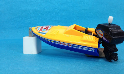 Clockwork toy jetboat