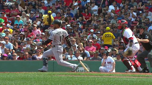 Considerado por MLBPipeline.com como el prospecto número 1 de todo el béisbol, Moncada se embasó en ocho de sus 17 visitas al plato frente a su antiguo equipo, los Medias Rojas