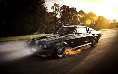 Coche deportivo a gran velocidad por la carretera con fuego en ruedas delanteras y bosque de fondo