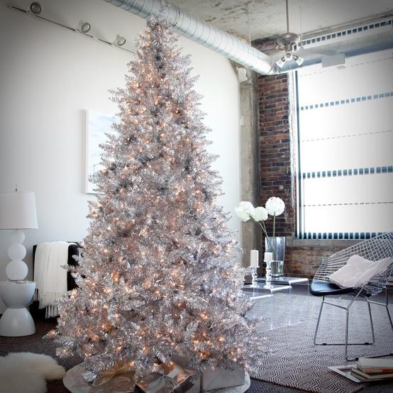 Decoração De Árvore De Natal Branca E Prata