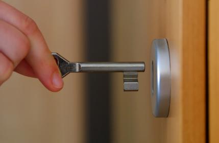 Kunci pintu dan jendela