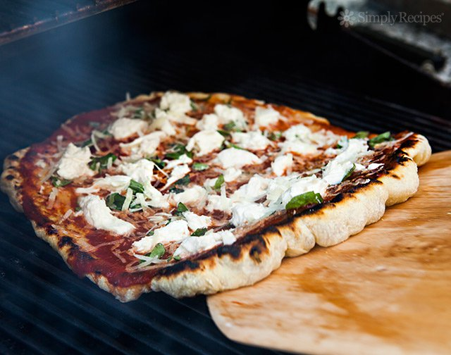 How Make Your Own Grilled Pizza