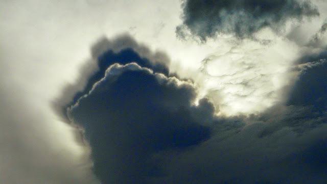 extrano efecto nube