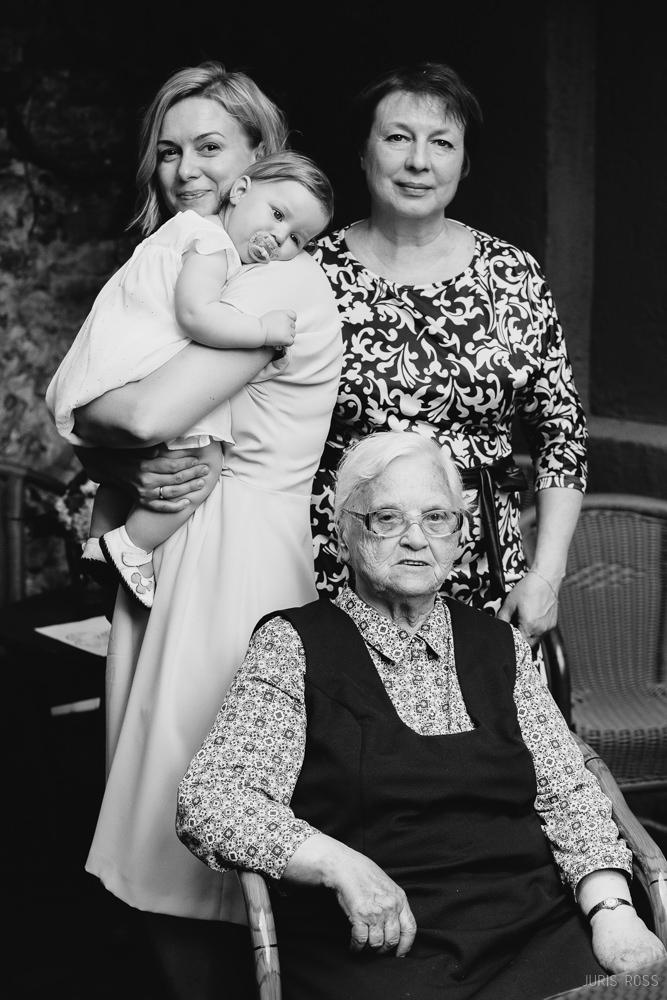 ģimenes sievietes