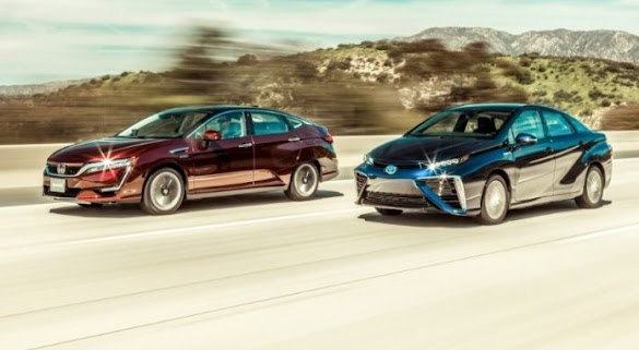 2016 Toyota Mirai vs 2017 Honda Clarity | 2017 Electric Cars