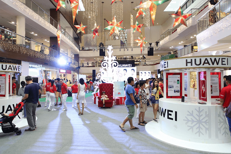 Huawei celebrates the holidays with the Grand Christmas Day event