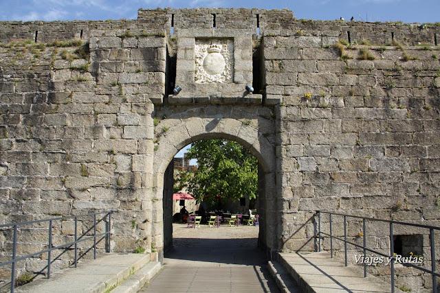 Puerta de entrada a Concarneau, Bretaña