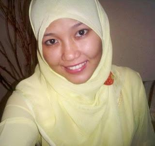 Foto Via Vallen memakai jilbab kerudung islami