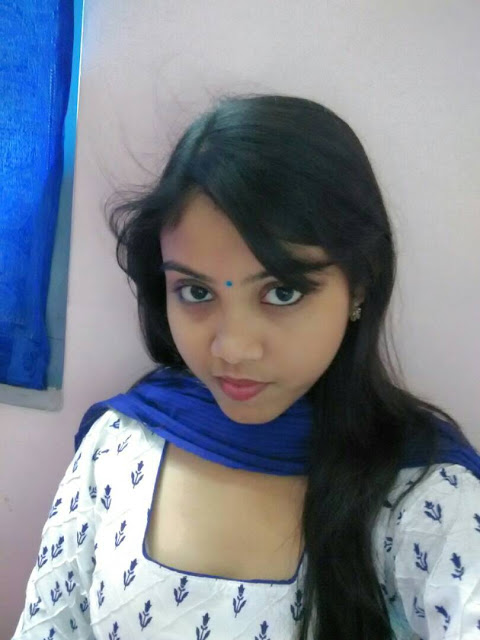 Indian Desi College Girl Leaked Pics