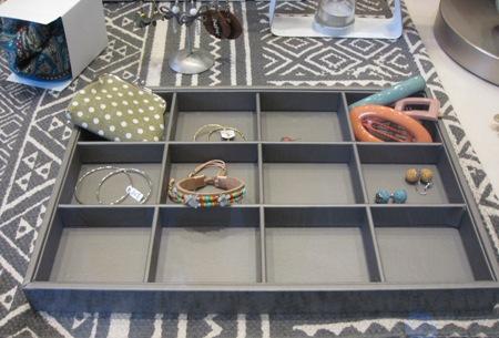 Caja organizadora con 12 compartimentos