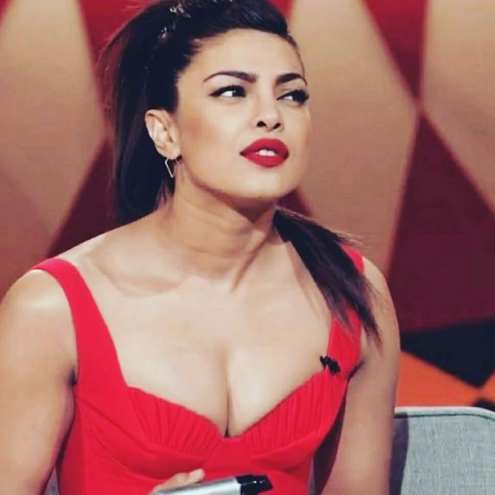 Priyanka chopra hot cleavage show