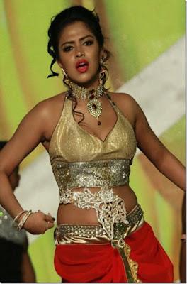 Amala paul hot dance in award function