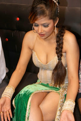 Telugu movie actress Tanisha hot stills pictures photos