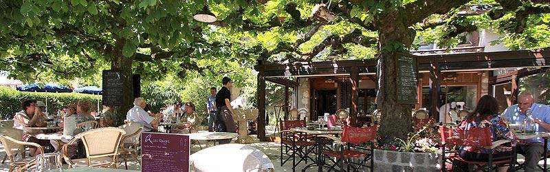 simple restaurant caf brunet un petit restaurant aux esprits de bistrot de village sur les. Black Bedroom Furniture Sets. Home Design Ideas