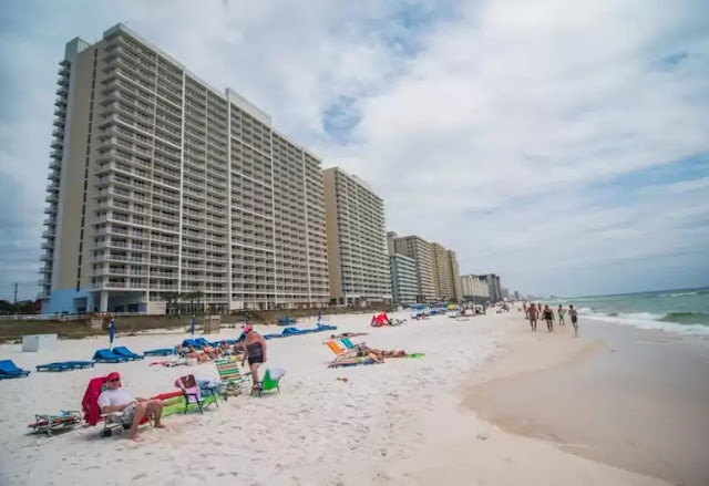 Majestic Beach Resort in Panama City Beach has many amenities and located next to beach and other attractions. Get the royal treatment at The Majestic Beach Condo.