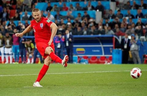 Eric Dier cầu thủ thực hiện thành công quả penalty cuối cùng ấn định chiến thắng cho tuyển Anh
