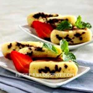 Rumus cara menciptakan cake tradisional dari banyumas ini hampir menyerupai kuliner ringan anggun pancong Resep Kue Pukis Enak